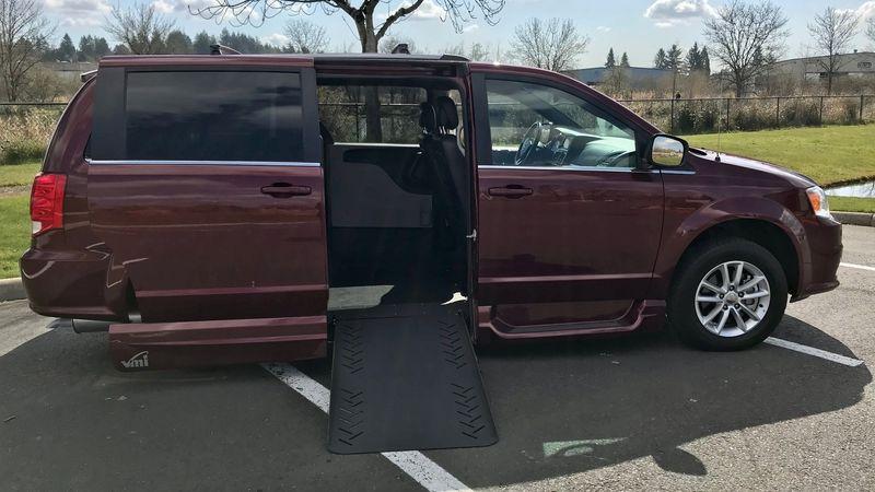 Used 2018 Dodge Grand Caravan.  ConversionVMI Dodge Summit