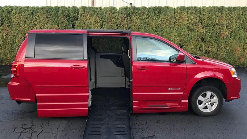 Used 2013 Dodge Grand Caravan.  ConversionBraunAbility Dodge Entervan XT