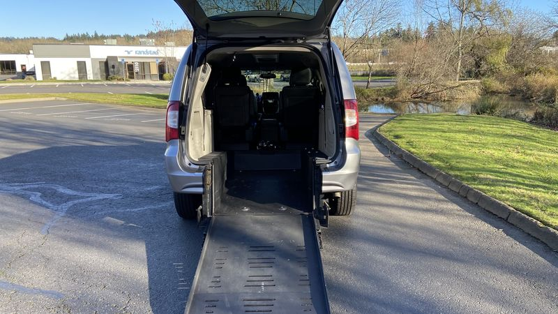 Used 2014 Chrysler Town and Country.  ConversionBraunAbility Chrysler Manual Rear Entry